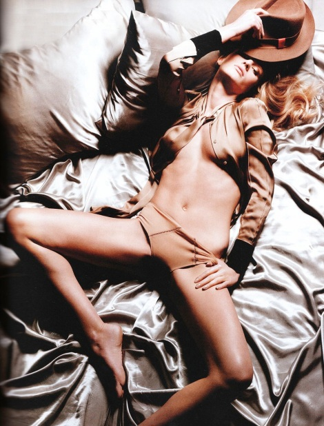 anne-vyalitsyna-tush-covered-nudes-spring-2011-01