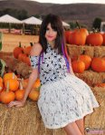1318457624_selena-gomez-pumpkin-patch-06