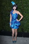 selena-gomez-blue-ball-01