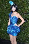 selena-gomez-blue-ball-02