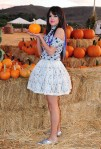 selena-gomez-pumpkin-patch-05