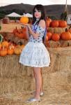selena-gomez-pumpkin-patch-05