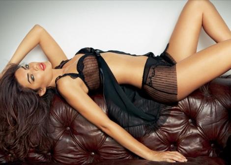_alyssa-miller-intimissimi-lingerie-sexy-brunette-beautiful-4bfcb6fe-3520-102f-ad72-0019b9d5c8df