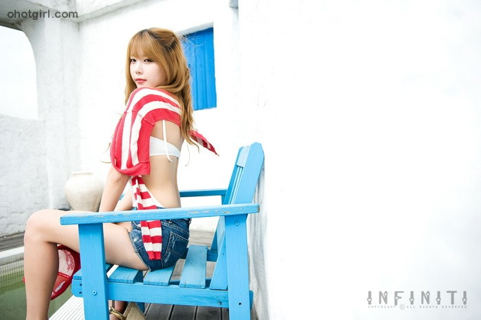 Heo-Yun-Mi-Red-White-and-Blue-03