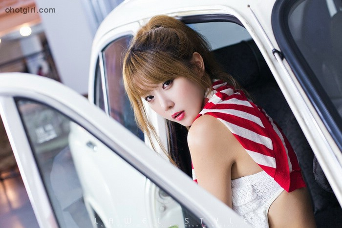 Heo-Yun-Mi-Red-White-and-Blue-22