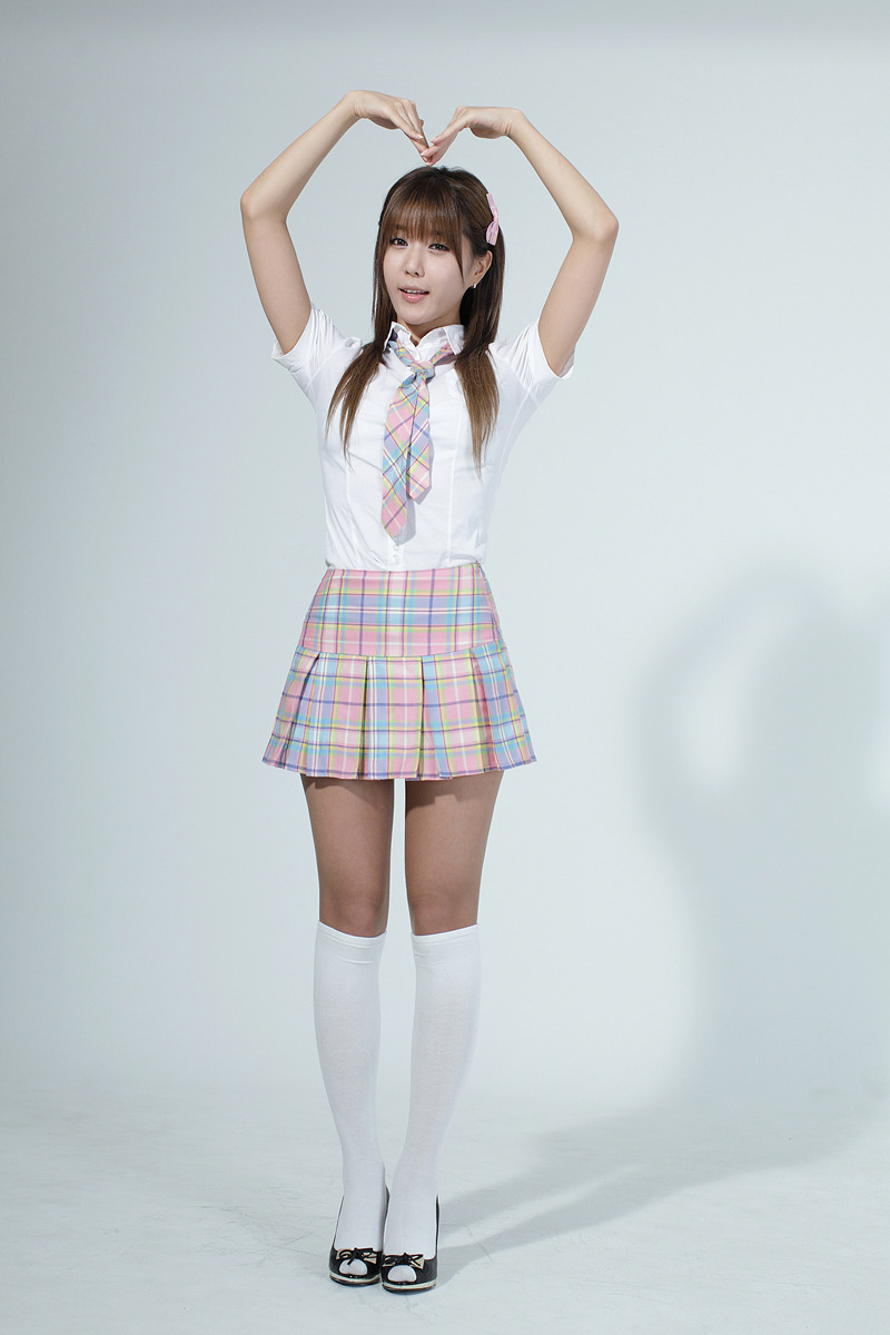 Heo-Yun-Mi-School-Girl-11
