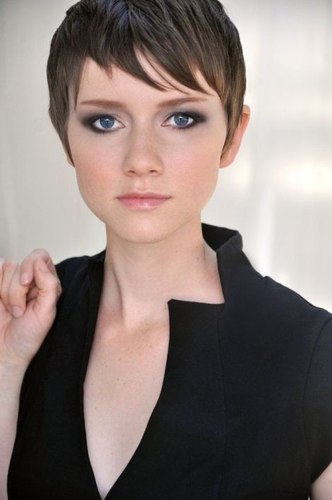 valorie_curry