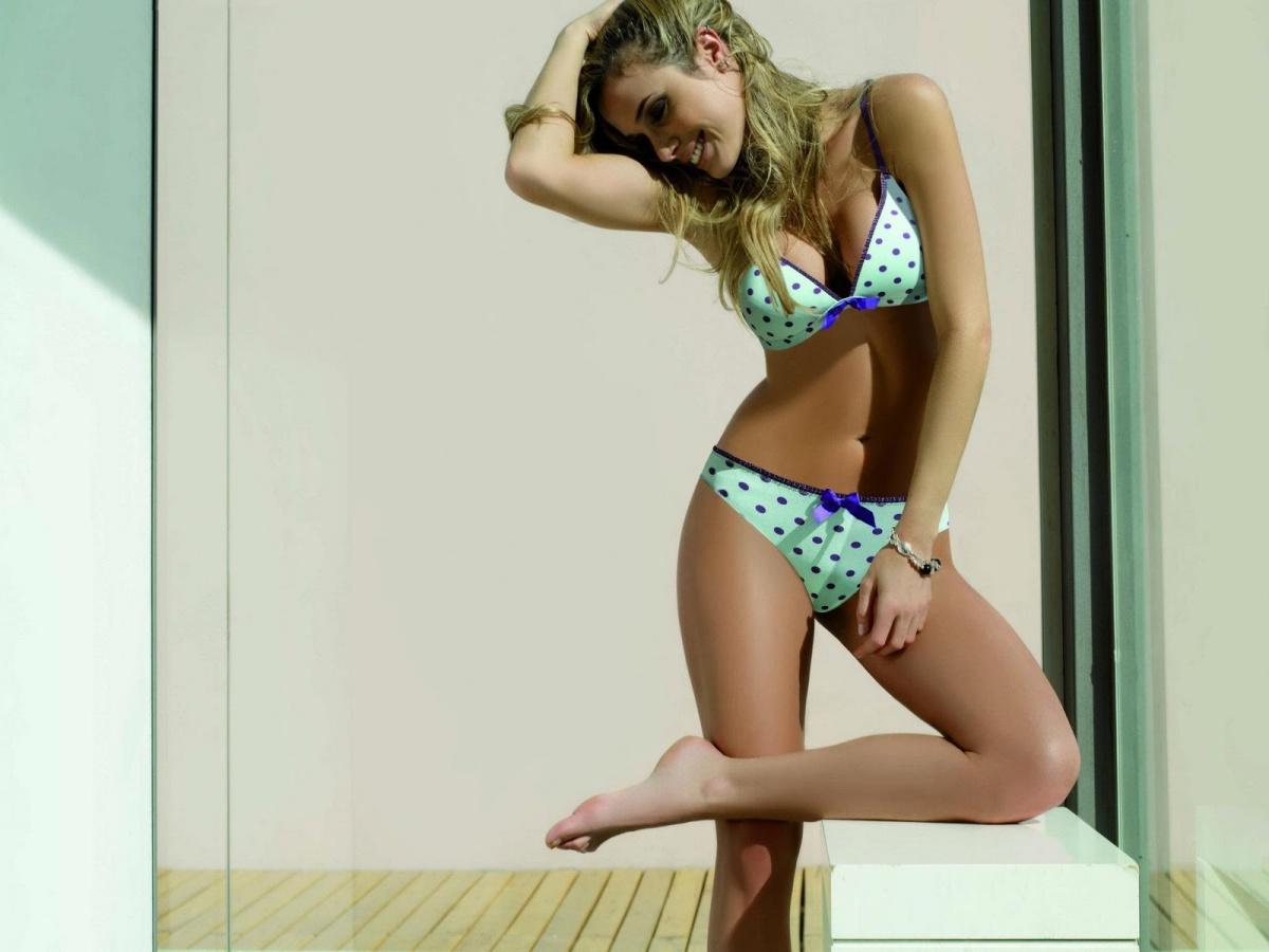 Cecilia Bonelli 48