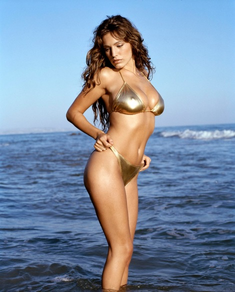 Kelly Brook 01