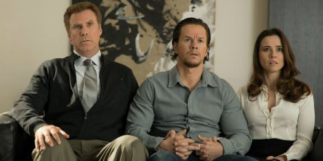 daddys-home-review-ferrell-wahlberg-cardellini